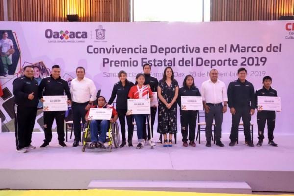 """""""Ustedes son los héroes y heroínas del deporte en Oaxaca;"""
