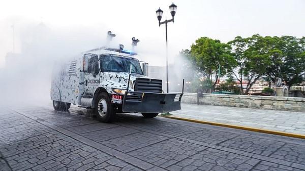 se realiza la sanitización de espacios públicos en diversos municipios