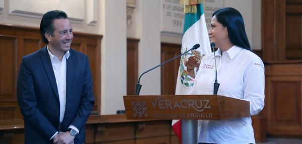Informa gobernador Cuitláhuac García Jiménez beneficio a taxistas
