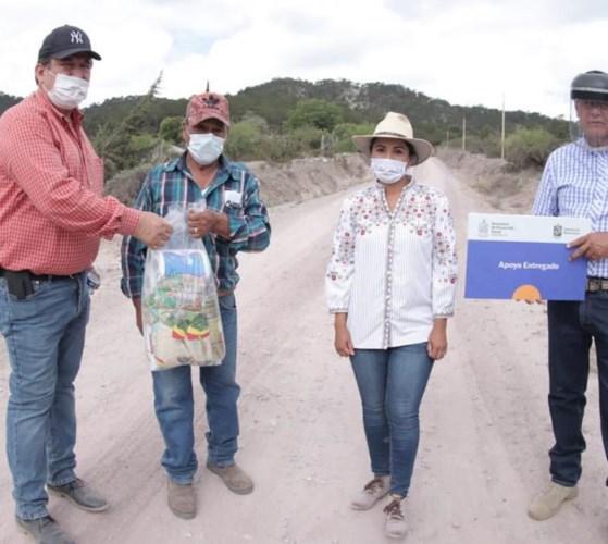 segunda entrega de apoyos alimenticios a las familias vulnerables del sur de Nuevo León.