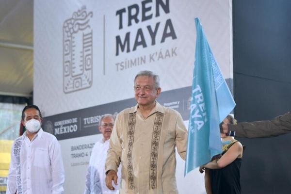 """""""Es una obra trascendente, histórica, empezando porque va a integrar a toda la región maya del sureste de la República:"""
