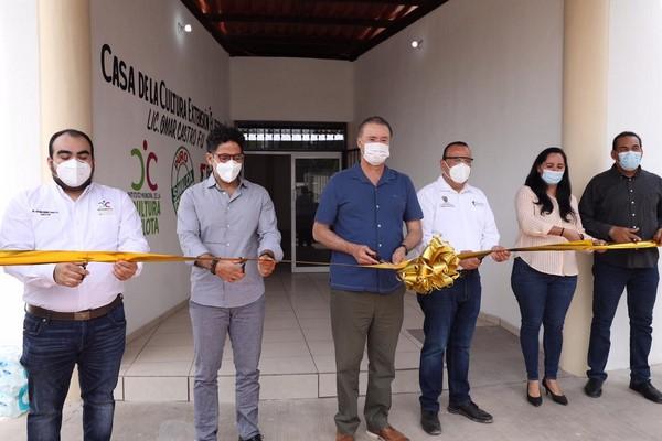 inauguró la remodelación de la Casa de la Cultura de El Espinal