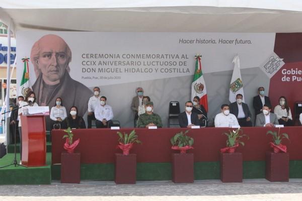 - El gobernador presidió la ceremonia por el CCIX aniversario luctuoso de Miguel Hidalgo y Costilla.
