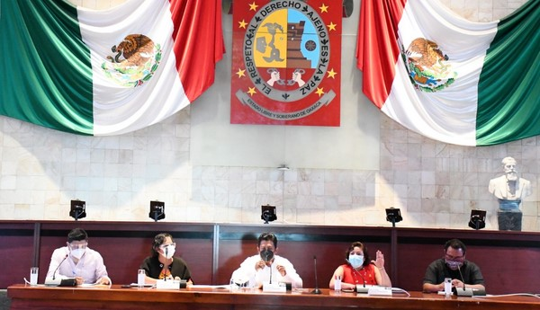 Denuncia líder de la Jucopo complicidad oficial en el saqueo del dinero del pueblo.