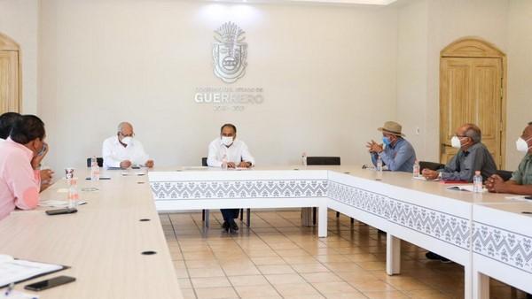 *Se reúne el mandatario estatal con líderes de la organización campesina Movimiento Fuerza Guerrerense