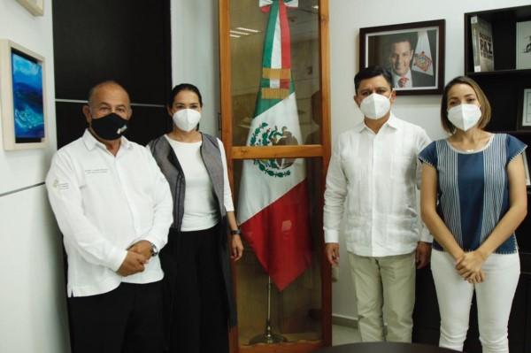 secretario de Turismo del Gobierno del Estado de Oaxaca (Sectur Oaxaca), Juan Carlos Rivera Castellanos y la secretaria de las Culturas y Artes (Seculta), Karla Villacaña Quevedo, se reunieron con representantes del gobierno del estado de Puebla.