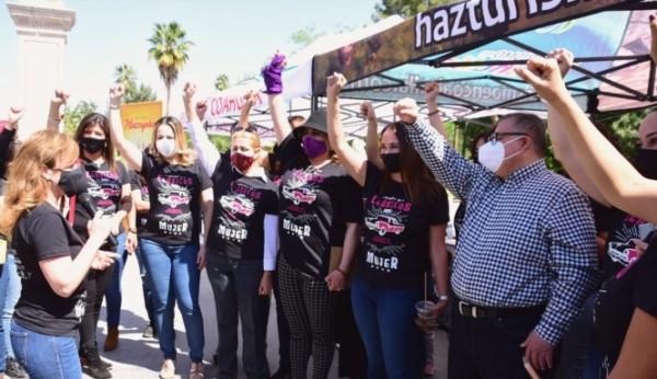 """en Torreón la """"Rodada de Clásicos"""", para sumar a las laguneras a participar en el evento, organizado por la Asociación de Autos Clásicos y Antiguos del Norte A.C."""