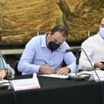 firma del acuerdo por la paz en el municipio indígena de Hueyapan,
