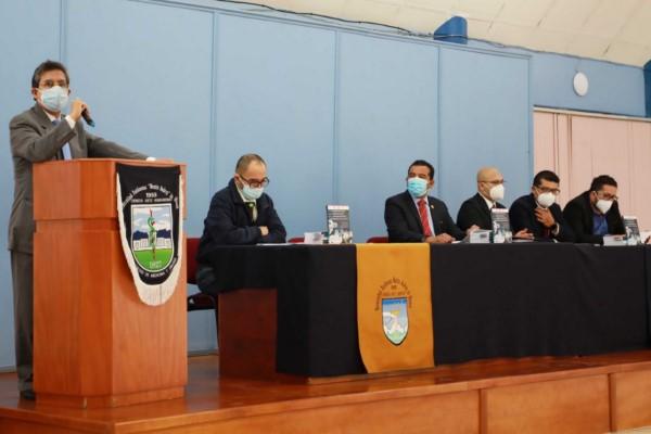 Es un trabajo realizado por las Facultades de Derecho y Medicina en colaboración con especialista de diversas instituciones.