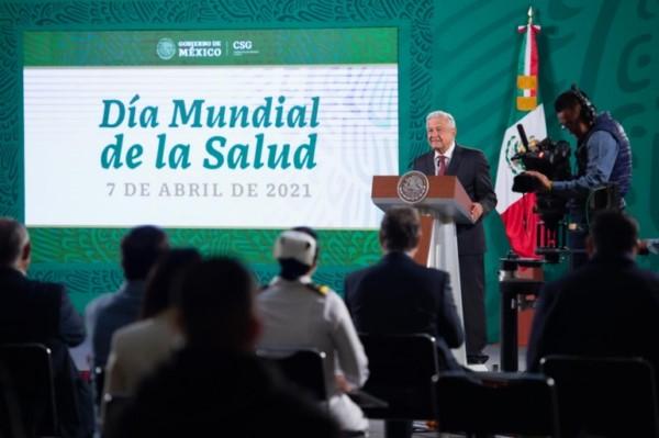 ceremonia conmemorativa del Día Mundial de la Salud en Palacio Nacional.