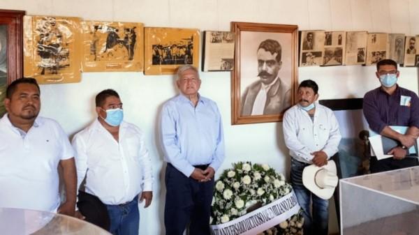 visitó el municipio de Ayoxuxtla, Puebla, para conmemorar el 102 aniversario luctuoso de Emiliano Zapata.
