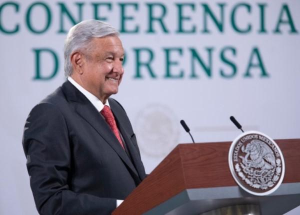 Presidente destaca cumplimiento del compromiso de no aumentar precios de combustibles y energía eléctrica