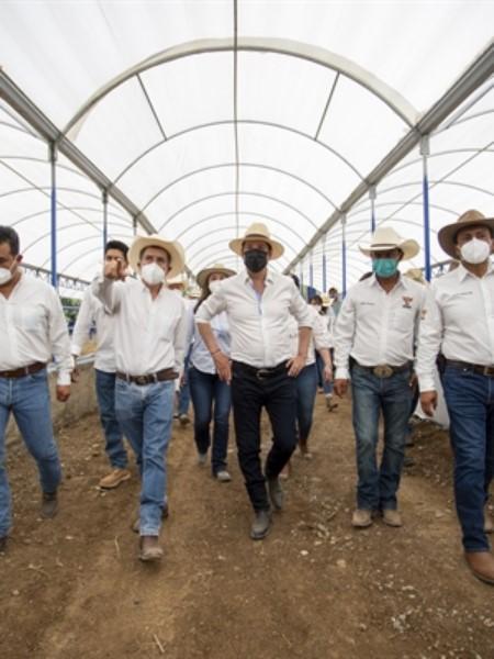 Centro de Acopio Regional de la Unión Ganadera Regional de Querétaro (UGRQ) en la Zona Serrana, en donde enfatizó que todos los trabajos realizados en la región pertenecen a programas y estrategias