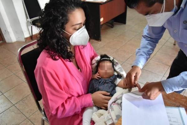 se han realizado 74 mil 511 registros de nacimiento en las 146 oficialías de las ocho regiones de la entidad.