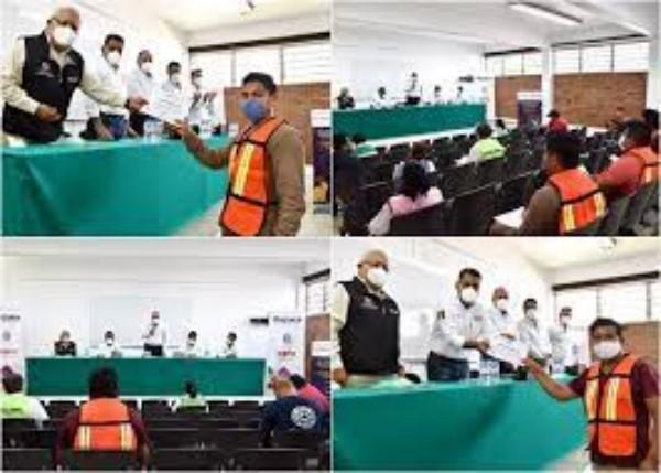 se entregaron reconocimientos a personal que participó en las capacitaciones y en el Simulacro Nacional del 21 de junio pasado