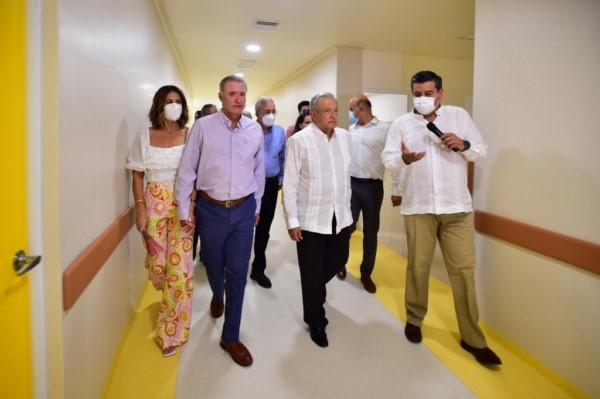 supervisar el avance de las obras de mejoramiento y ampliación del Hospital Pediátrico de Sinaloa,